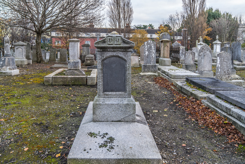 MOUNT JEROME CEMETERY IS AN INTERESTING PLACE TO VISIT [IT CLOSES AT 4PM]-134310