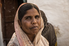 BADAMI : PORTRAIT DE FEMME (pierre.arnoldi) Tags: inde india portraitdefemme portraitsderue photoderue photocanon on1raw karnataka badami photooriginale photocouleur