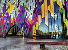 Museum At Prairiefire.  Explored.  18-10-2017. (-Metal-M1KE-) Tags: museumatprairiefire overlandpark kansas dichroicglass httpsmuseumatpforg