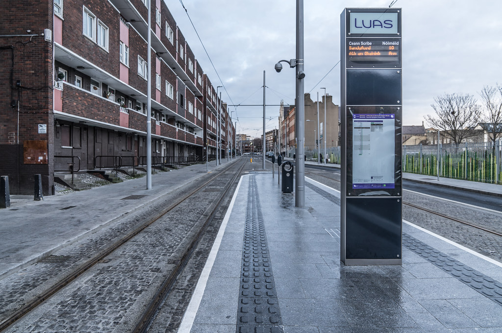 THE LUAS CROSS-CITY TRAM SERVICE CAME INTO OPERATION TODAY [LOWER DOMINICK STREET STOP]-134394
