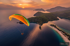 Sunset Flying with Ali Yesil (Tristan Shu) Tags: action actionphotography aile air aliyesil europe extremsport extremesport freefly glider oludeniz paraglider paragliding parapente photography sport sportextreme sports tristanshu tristanshuphotography turkey turquie voile vol vollibre wing photo sportextrême wwwtristanshucom ölüdeniz muğla tr