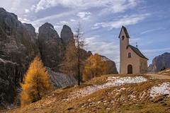 little church in the dolomites (Maarten Takens) Tags: alinevanweert davezuuring italia dolomiten fffotoschule fotoreis2017
