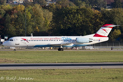 OE-LVE Fokker 100 Austrian Airlines Geneva airport LSGG 13.10-17 (rjonsen) Tags: plane airplane aircraft aviation special scheme livery decal