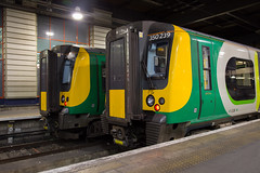 not much to do... (daveymills31294) Tags: wcml class 350 siemens desiro emu london midland trains euston west coast main line 239 261