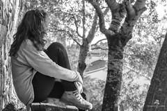 Soledad...la que no abandona. (Chaguaceda Fotografias) Tags: 7dwf retrato autorretrato blancoynegro monocromático monocromo miradas nostalgia melancolía soledad