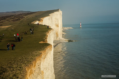 Lighthouse at Beachy Head, East Sussex. (Scotland by NJC.) Tags: beachyhead lighthouse eastsussex england uk cliff جُرْف penhasco 悬崖 litica útes klippe klif precipicio kalliojyrkänne falaise γκρεμόσ scogliera 崖 낭떠러지 urwisko stâncă скала klippa berg หน้าผา kayalık скеля vách đá southdowns path walking clifffall erosion coastline 海岸线 litoral côte küste linea costiera 海岸線 해안선 seashore coast shore seaboard seaside beach strand