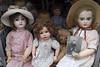 Poupées anciennes (Snoopy-41) Tags: poupées poupéesanciennes jouets vitrine fujifilmxt20