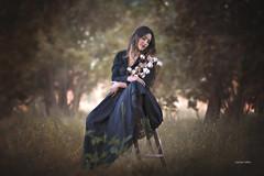 Marien (juanjofotos) Tags: chica moda modelo exterior flor juanjofotos juanjosales nikond800