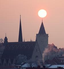 Light on (uhx72) Tags: mühlhausen thuringia thüringen thomasmüntzer germany church town tower rabenturm sun sunrise winter morning architecture