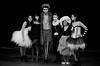 21023 - Capuleti (foto di famiglia) (Diego Rosato) Tags: capuleti capulet giulietta juliet teatro theather shakespeare romeojuliet bianconero blackwhite nikon d700 85mm rawtherapee tragedia tragedy