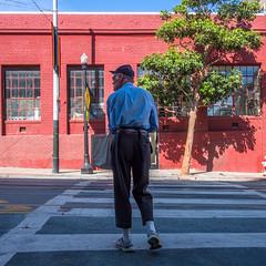 crystallises accorder (bhautik_joshi) Tags: sf sanfrancisco california sfist bayarea bhautikjoshi walk walking pedestrian pedestrians sidewalk mission themission missiondistrict candid fromthehip people street streetphotography unitedstates us