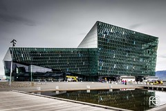 Harpa (Fabien Georget (fg photographe)) Tags: harpa architecture bâtiment city iceland islande landscape paysage sky ayezloeil beautifulearth bigfave canoneos600d canon elitephotography elmundopormontera eos fabiengeorget fabien fgphotographe flickr flickrdepot flickrunited georget geotagged flickunited mordudephoto paysages perfectphotograph perfectpictures wondersofnature wonders supershot supershotaward theworldthroughmyeyes shot nb photography photo greatphotographer french touch monument eau waterscape reykjavik