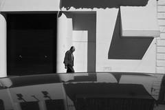 (Claudio Blanc) Tags: street streetphotography fotografiacallejera bw bn buenosaires blackandwhite blancoynegro argentina