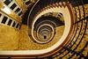 Barrieregerechte Kunstwerke (Lilongwe2007) Tags: hamburg deutschland vrahms kontor treppenhaus wendeltreppe architektur innen gebäude fliesen