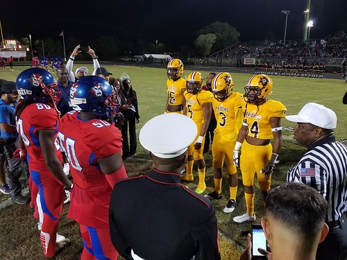 """Glades Central vs Pahokee 11/3/17 • <a style=""""font-size:0.8em;"""" href=""""http://www.flickr.com/photos/134567481@N04/37452966474/"""" target=""""_blank"""">View on Flickr</a>"""