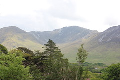 IMG_3254 (avsfan1321) Tags: kylemoreabbey ireland countygalway connemara landscape mountains mountain green