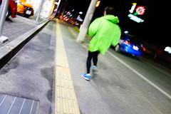 A green runner can run faster. (憂-ICHIRO) Tags: street snap sony rx100
