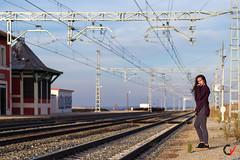 Patricia. Soledad. (Carlos Velayos) Tags: retrato portrait chica girl mujer woman soledad loneliness estacion station