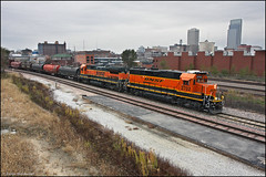BNSF 2702 (Justin Hardecopf) Tags: bnsf burlingtonnorthernsantafe 2702 emd gp392 local freight downtown omaha nebraska railroad train