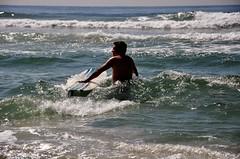 chegando... (Ruby Augusto) Tags: beach praiaoceânica waves soninlaw genro litoralnortepaulista