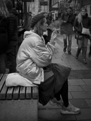 (TM1ka) Tags: monochrome blackandwhite noiretblanc sw bw leicam zeiss3520biogon street streetphoto urban tm1ka vienna austria thomasm streetportrait