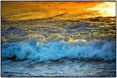 Ne Me Quitte Pas ... (miriam ulivi) Tags: miriamulivi nikond3200 mare sea tramonto sunset onde waves colors nature