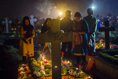 Prayer (lopamudra bag) Tags: asia bangla bengal bharat calcutta kolkataphotographersworld city canon green india kolkata kpw light lopa lopamudra lopamudrabag lopamudrabagphotography paschimbanga westbengal westbengaltourism travel bhowanipur cemetery graveyard candle low outdoor allsoulsday bhowaniporecemetery bhabanipur