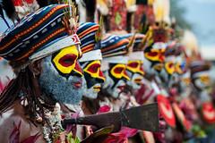 PNG 2013 - Goroka Show - 140FL.jpg (Ronald Vriesema) Tags: festival gorokashow eastpapua highlands png папуановаягвинея papuanuevaguinea 巴布亞新幾內亞 papuanewguinea パプアニューギニアの goroka easternhighlandsprovince pg