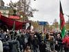 PAS BESOIN DE RENTIERS (marsupilami92) Tags: france frankreich îledefrance capitale paris 17emearrondissement frontsocial manifestation slogan pancarte drapeau métro