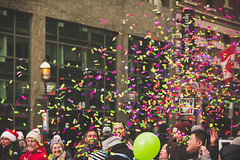 Confetti (A Great Capture) Tags: hurray confetti streetphotography streetscape street calle outdoor outdoors cityscape urbanscape eos digital dslr lens canon rebel t5i colours colors colourful colorful agreatcapture agc wwwagreatcapturecom adjm ash2276 ashleylduffus ald mobilejay jamesmitchell toronto on ontario canada canadian photographer northamerica torontoexplore fall autumn automne herbst autunno 2017 city downtown lights urban balloon people happy christmas santa claus parade 113