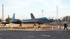 Ian lining up for his photo of the USAF Lockheed SR-71 SR-71 DSC_0394 (wbaiv) Tags: castle air museum november 2017 outdoors outside blue sky california central valley atwater former sac base b36 b52 strategic command brother ian father bill iii 3 visit take pictures airplanes usaf united states force removedfromaircraftcondensationvorticesgroup aircraft airplane plane