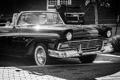 fairlane 500 front end (fallsroad) Tags: ford fairlane 500 classic vintage blue car automobile tulsaoklahoma guthriegreen blackandwhite bw monochrome front