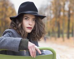 Manon (liofoto) Tags: canon eos6d canon85mm18 couleurs colors automne autumn portrait face yeux eyes cheveux hair chapeau hat expression girl woman