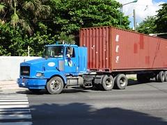 Volvo (RD Paul) Tags: volvo truck camion dominicanrepublic repúblicadominicana santodomingo trucks camiones