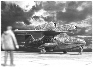 1:72 Dornier Do 319 B-1 'Seeschwalbe'; aircraft '(P7)+O(A)' of the Deutsche Luftwaffe's SAGr 129 Stab z.b.V.; operated in the Northern Atlantic, summer 1945 (Whif/Smer kit conversion)
