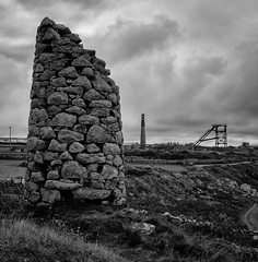 Carne Whim stack, Botallack Mine (Rogpow) Tags: botallack botallackmine cornwall mine whimenginehouse stack chimney headframe headgear counthouse tinmine tin cornishmining cornishmines copper cornishminingworldheritagesite coppermine ruin abandoned derelict decay industrialhistory industrialarchaeology industrial industry blackandwhite mono bw monochrome allensshaft clifftop cliffs coast mining metalmine metalmining old bnw