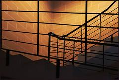 Escalier de lumière (Pi-F) Tags: malte escalier lumière rampe ligne métal chaud rambarde parrallèle marche treppen stair noir black light licht schwarz