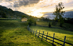 DSC00447 (silviu_z) Tags: sunny paisaje hills nature natural house sun light clouds outdoor fence tree grass green sony ilce7rm2 zeiss35