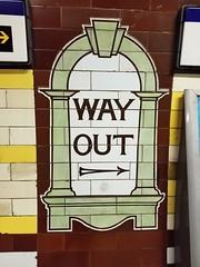 20170803_105500 (bsd-louisiana) Tags: london london2017 unitedkingdom londonunderground tubestation subway undergroundstation