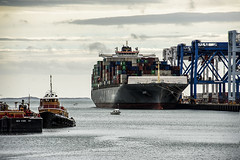 Vessels in  Channel (PAJ880) Tags: container ship barge tug boston ma harbor reserved channel conley terminal massport