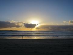 Coucher de soleil, Royan (17) (Yvette G.) Tags: royan 17 charentemaritime poitoucharentes nouvelleaquitaine coucherdesoleil plage mer