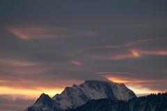 Sonnenaufgang - Sunrise mit dem Schreckhorn ( BE - 4`078m - Nördlichster Viertausender der Alpen - Erstbesteigung 1861 - Berg montagne montagna mountain ) in den Berner Alpen - Alps im Berner Oberland im Kanton Bern der Schweiz (chrchr_75) Tags: christoph hurni schweiz suisse switzerland svizzera suissa swiss chrchr chrchr75 chrigu chriguhurni chriguhurnibluemailch november2017 november 2017 albumzzz201711november wolke cloud wolken himmel himmu natur nautre sky wetter weather albumwolkenüberderschweiz albumschreckhorn schreckhorn alpen alps viertausender berg montagne montagna mountain kantonbern berner oberland lbumschreckhorn