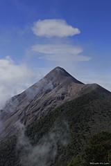 Fuego y aros (Guido De León) Tags: visitguatemala guatemala volcanes guatedepostal guatemalaimpresionante