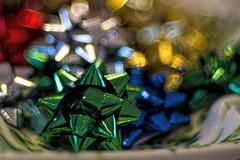 Bows & Bokeh (WilliamND4) Tags: meyeroptikgoerlitztrioplanf28100lens christmas bow colorful macro bokeh