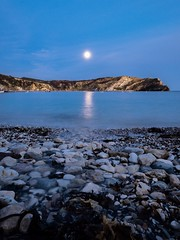 Peaceful night (manolache_manolache) Tags: panasonic714 panasonicgx8085 panasonic panasonic714mm night longexposure sea moon nowaves landscapephotography landscappe scape landscape land seashore composition awesome color destinations earth wonderful art