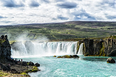 The Clash (*Capture the Moment*) Tags: 2017 berge clouds farbdominanz godafoss himmel iceland insel island landschaften menschen mountains people sky sonya7m2 sonya7mii sonya7mark2 sonya7ii sonyfe2470mmf4zaoss sonyilce7m2 waterfall waterfalls wolken blau blue monochrome