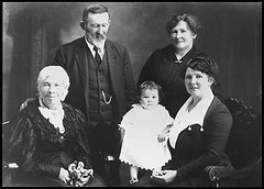 Phillippa Tabitha Inch and William Henson Wood with family