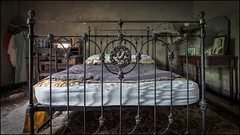 Abandoned bedroom2 (ducatidave60) Tags: fuji fujixt1 fujifilm fujinonxf1024mmf4 abandoned decay dereliction urbandecay urbex