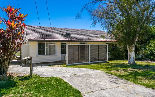 4 Lilydale Av, Peakhurst NSW 2210