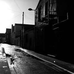 Singleton Street, Blackpool (Rhisiart Hincks) Tags: duagwyn gwennhadu dubhagusgeal dubhagusbán blancinegre blackandwhite bw zuribeltz blancetnoir blackwhite monochrome unlliw blancoynegro zwartwit sortoghvid μαύροκαιάσπρο feketeésfehér juodairbalta mnyamanokumhlophe pangometema busti gwlyb gleb fliuch wet ue eu ewrop europe eòrpa europa aneoraip a'chuimrigh kembra wales cymru kembre gales galles anbhreatainbheag 威爾斯 威尔士 treflun bailedhreach townscape gweledvakêr paysageurbain paisajeurbano stadtbild городскойпейзаж міськийпейзаж kaupunkikuvaan pilsētasainava miestovaizdis obrazměsta stadsbeeld 市容 都市の風景 peisajuluiurban